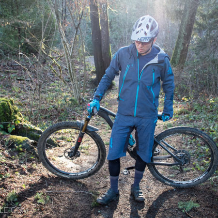 image for Review: Leatt DBX 5.0 All Mountain Jacket & Shorts