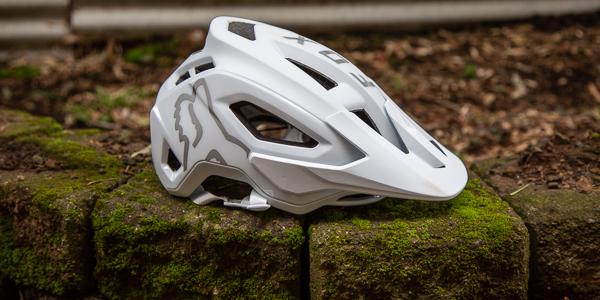 Fox Racing Women's Speedframe Pro MIPS Helmet feauted image